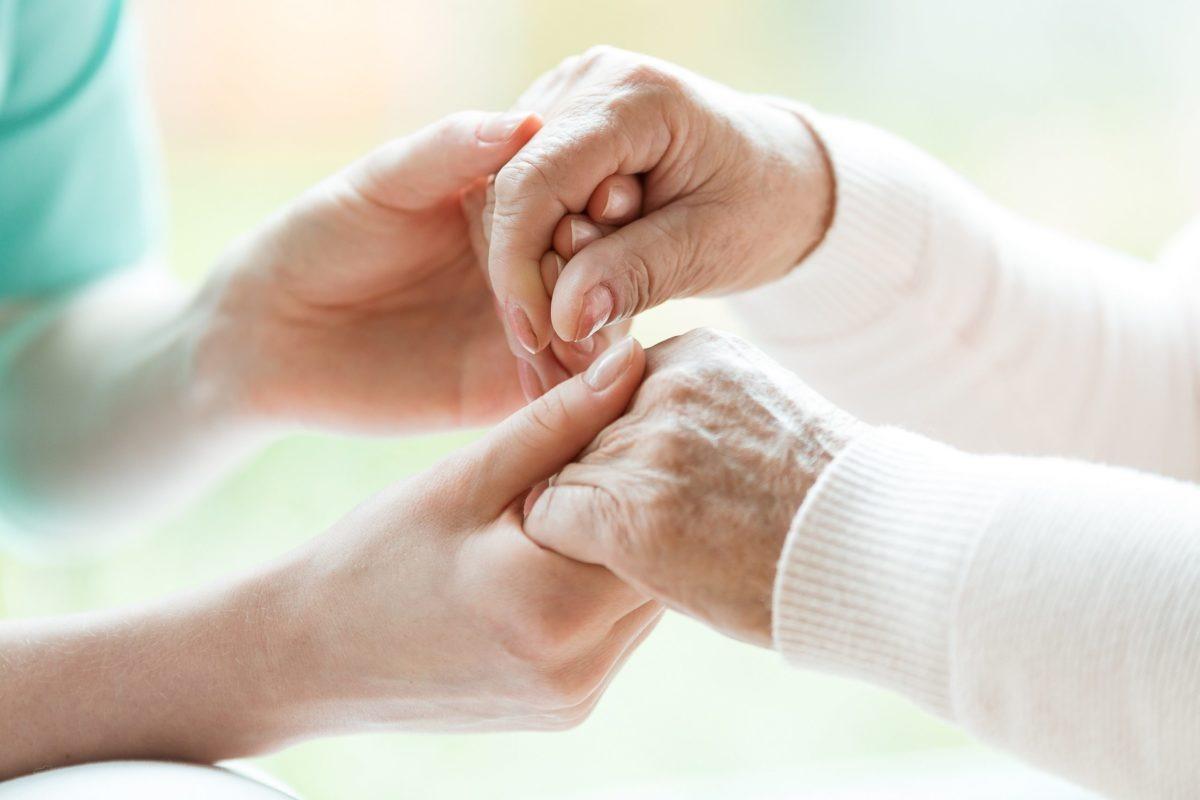 Doença de Parkinson: a importância do cuidador de idosos