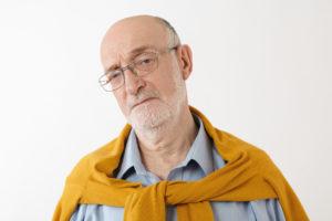 O que fazer quando o idoso não aceita cuidados